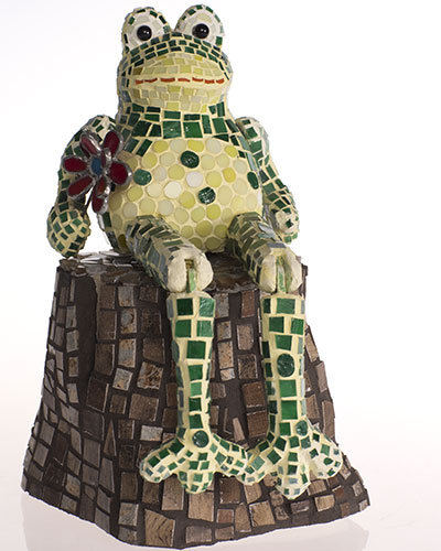 frog-mosaic-sculpture
